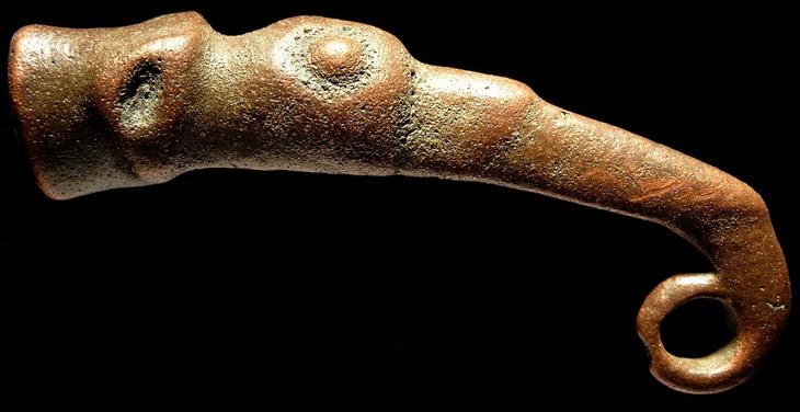 viking drinking horn finial