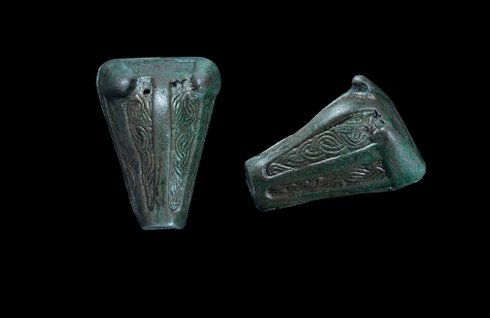viking beaor head brooch